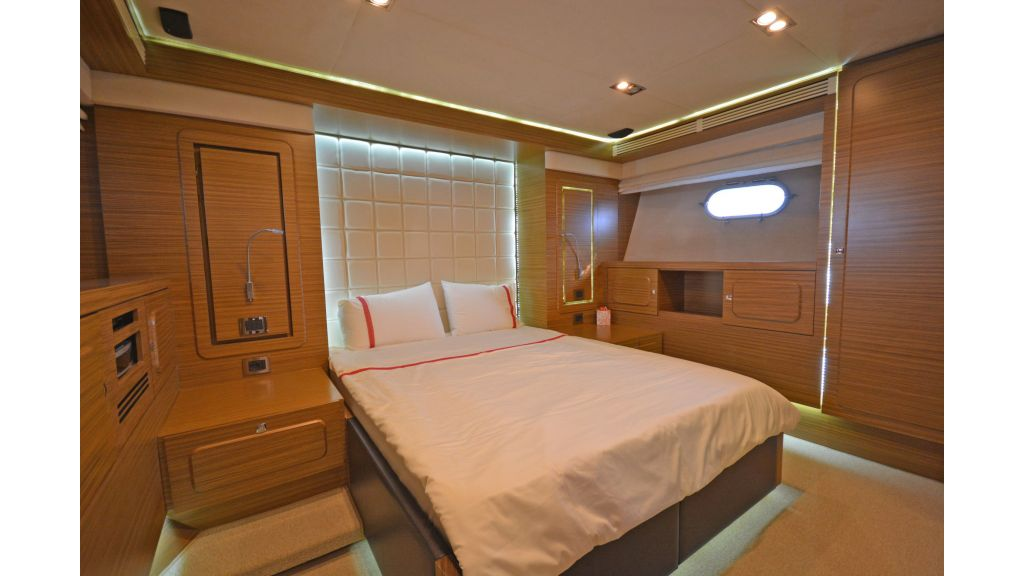 Luxury Trawler (40)