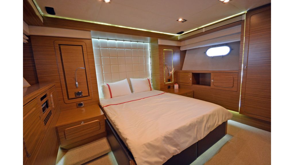 Luxury Trawler (41)