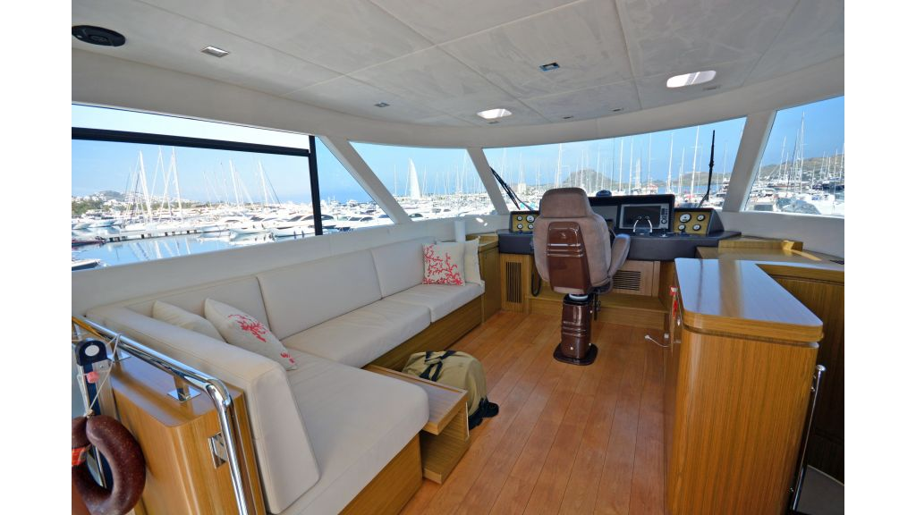 Luxury Trawler (50)