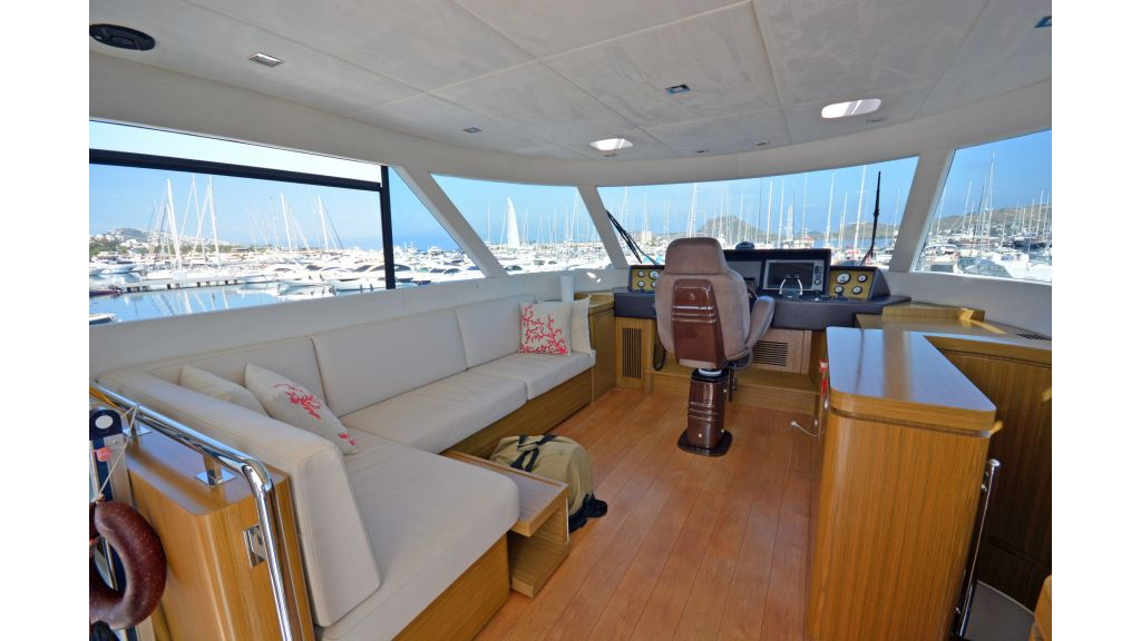 Luxury Trawler (51)