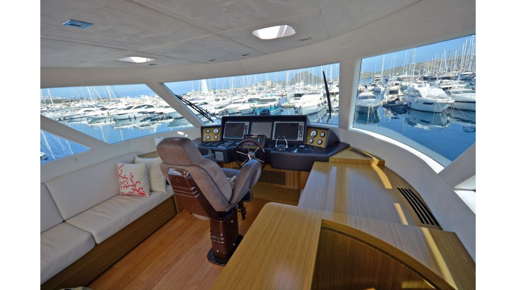 Luxury Trawler (52)