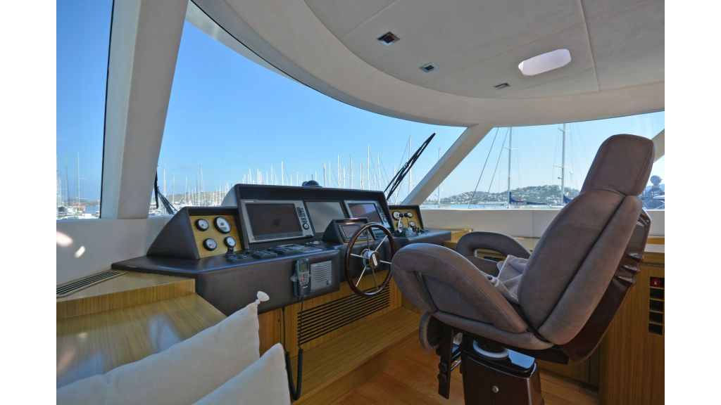 Luxury Trawler (53)