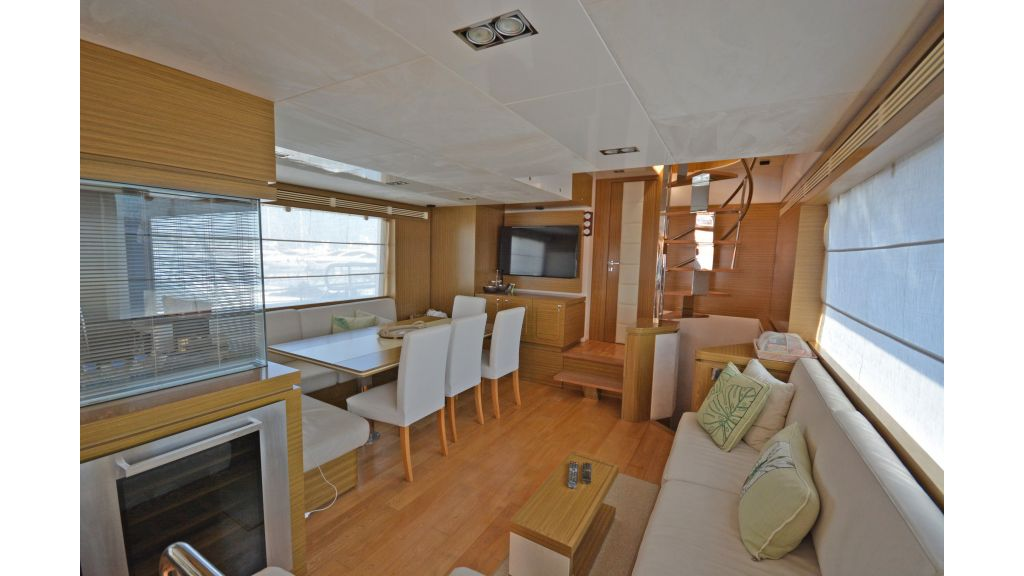 Luxury Trawler (8)
