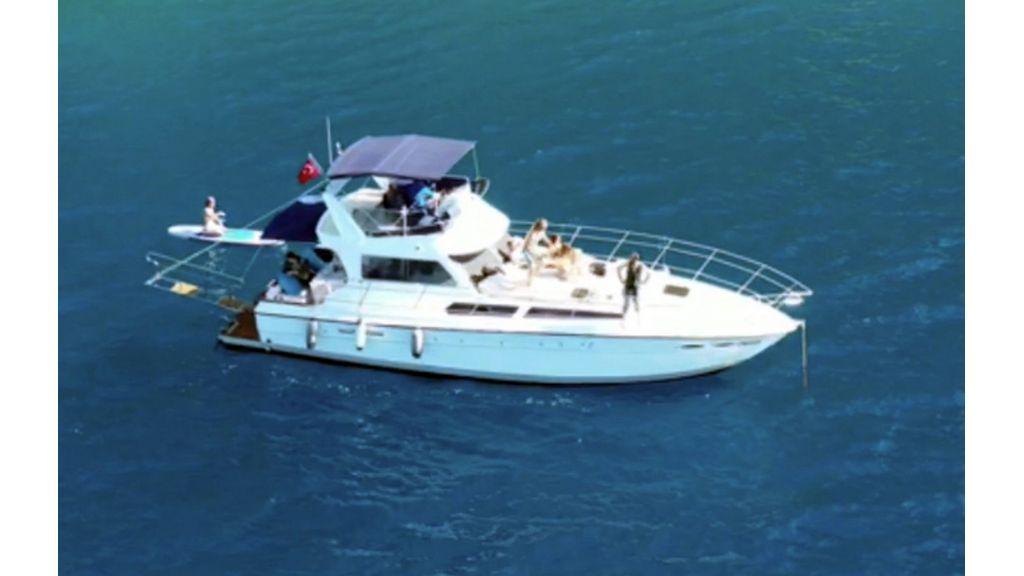 Omega Motor Yacht