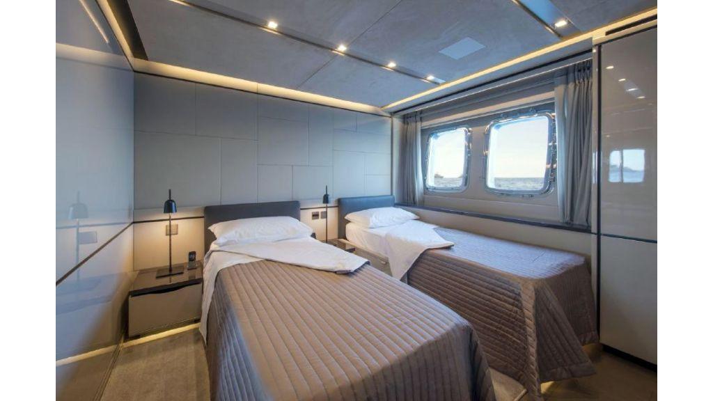 Sanlorenzo Sl 118ft motor yacht (24)
