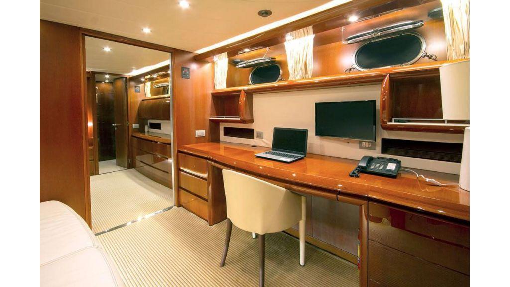 Caelum Motor Yacht (11)