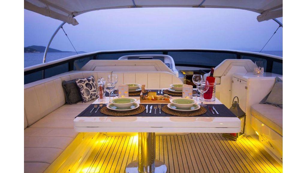 Caelum Motor Yacht (12)