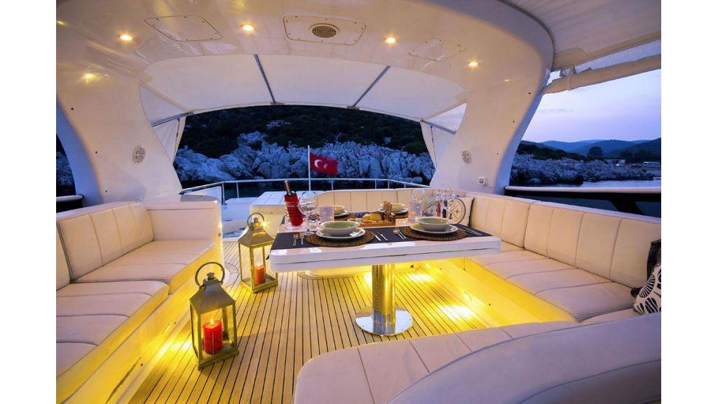 Caelum Motor Yacht (18)