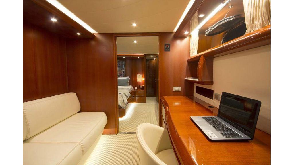 Caelum Motor Yacht (37)