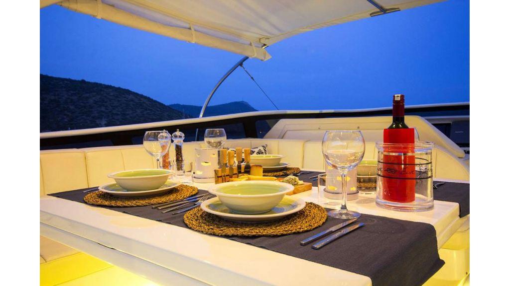 Caelum Motor Yacht (43)