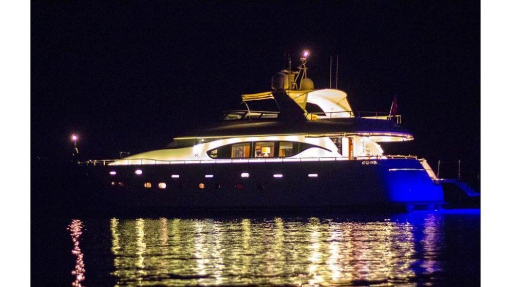 Caelum Motor Yacht (8)
