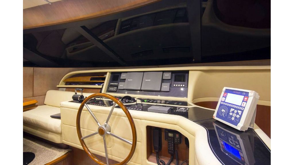 Caelum Motor Yacht (9)