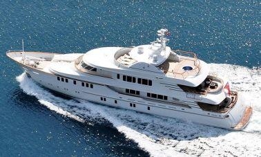 Mystic motor yacht (16)