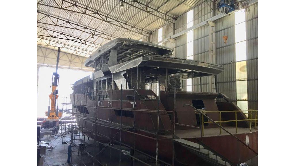 New 32m custom superyacht (4)