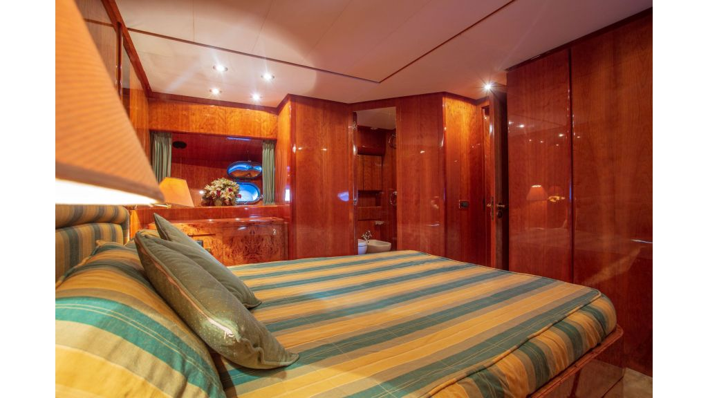 Sanlorenzo 75ft motor yacht (36)