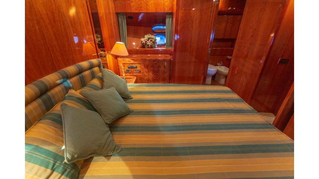 Sanlorenzo 75ft motor yacht (37)