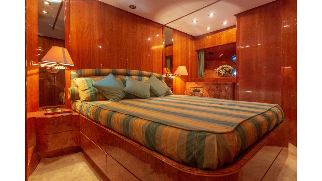 Sanlorenzo 75ft motor yacht (39)