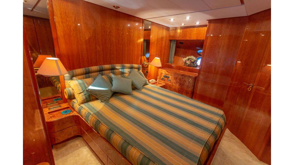 Sanlorenzo 75ft motor yacht (40)