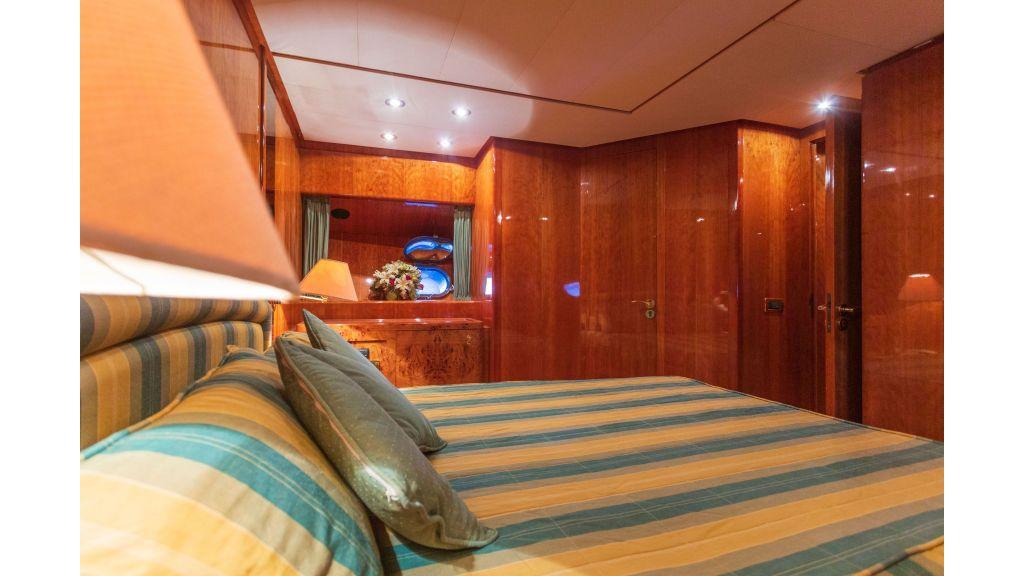 Sanlorenzo 75ft motor yacht (41)