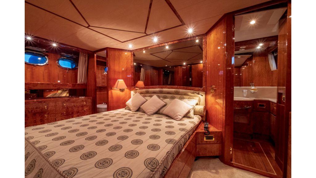 Sanlorenzo 75ft motor yacht (44)
