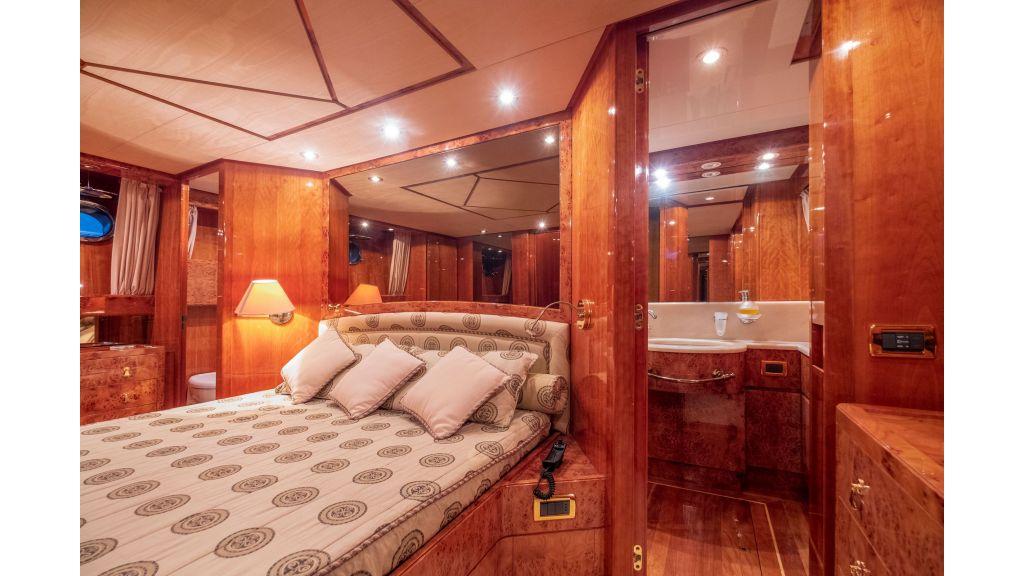 Sanlorenzo 75ft motor yacht (50)