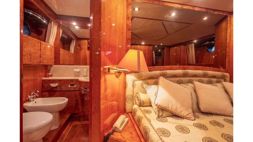 Sanlorenzo 75ft motor yacht (51)