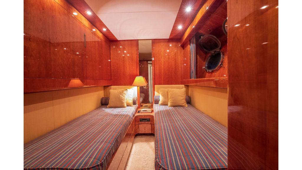 Sanlorenzo 75ft motor yacht (56)