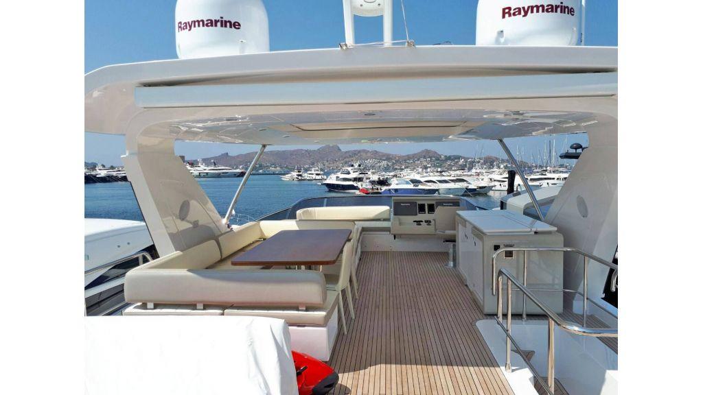 Azimut 72 Motor Yacht (2)