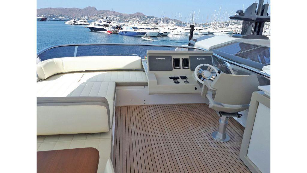 Azimut 72 Motor Yacht (7)