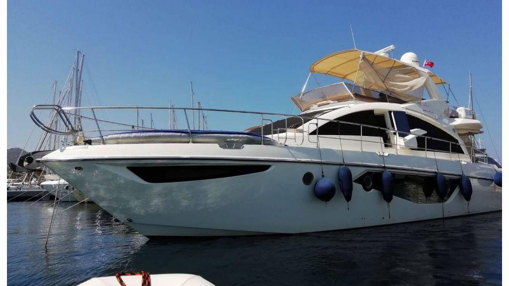 Cranchi 66fly Motor Yacht