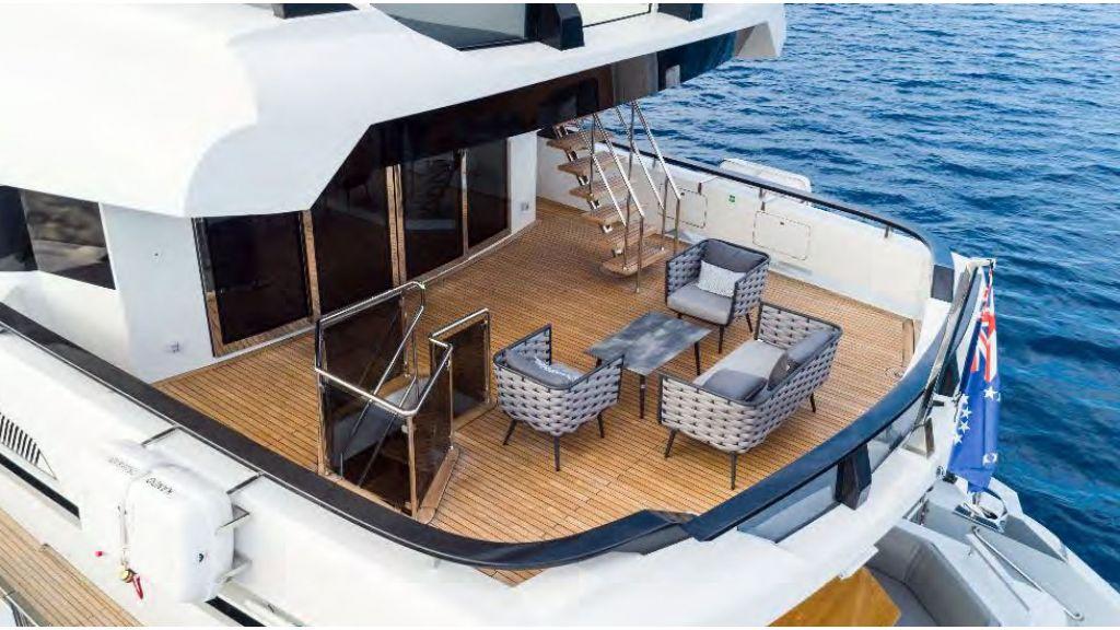 Kando 110 Motor Yacht (14)