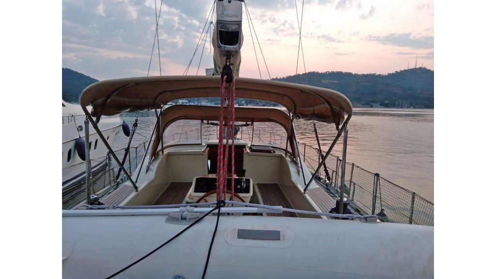 Luxury 2 Cabins Sailing Yacht (1)