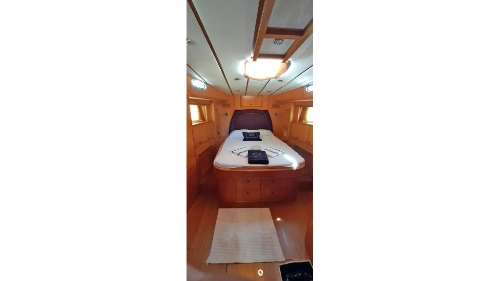 Luxury 2 Cabins Sailing Yacht (11)