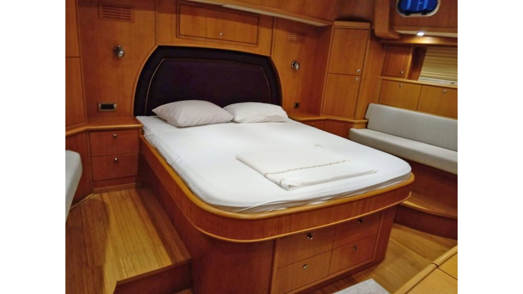 Luxury 2 Cabins Sailing Yacht (13)