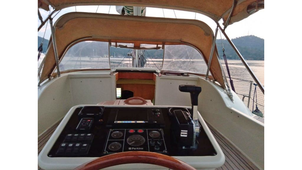 Luxury 2 Cabins Sailing Yacht (15)