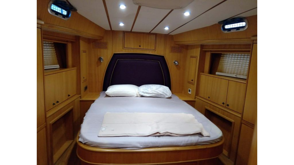 Luxury 2 Cabins Sailing Yacht (17)