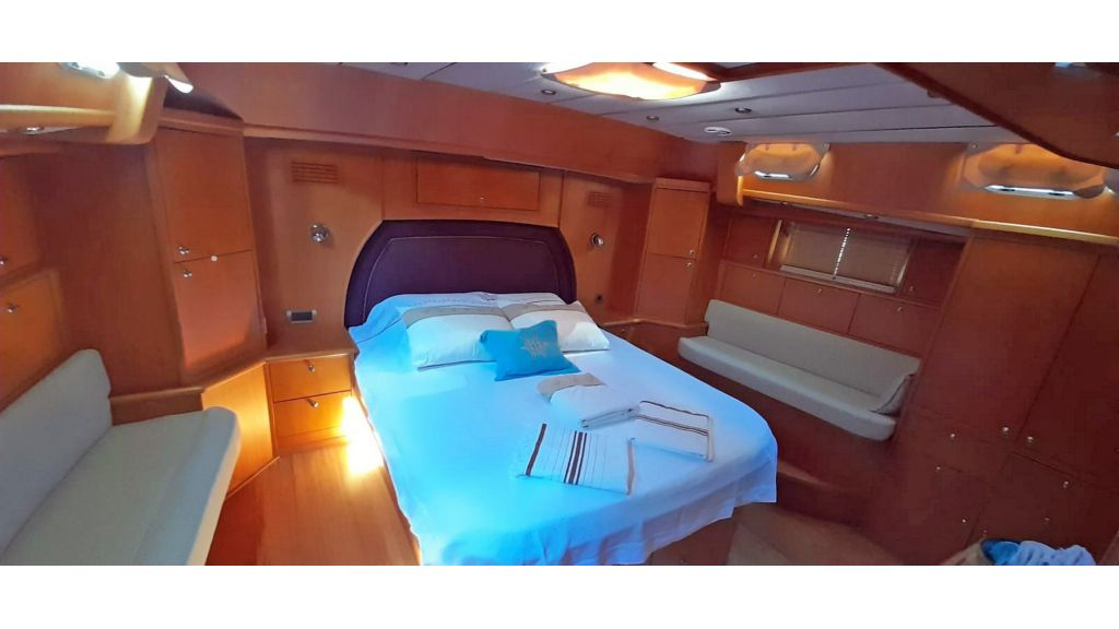 Luxury 2 Cabins Sailing Yacht (6)