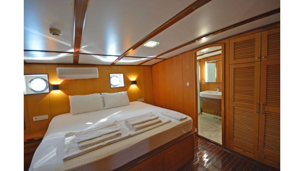40m Luxury Transom Gulet (12)