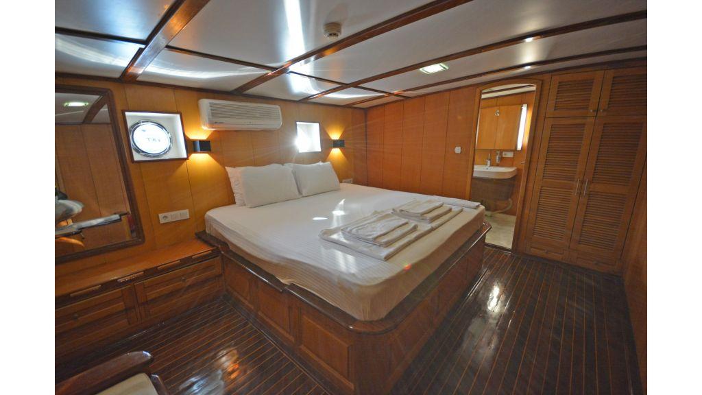 40m Luxury Transom Gulet (13)