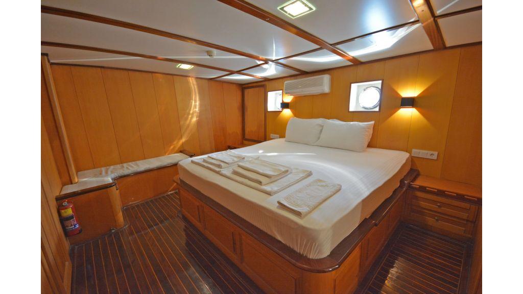 40m Luxury Transom Gulet (14)