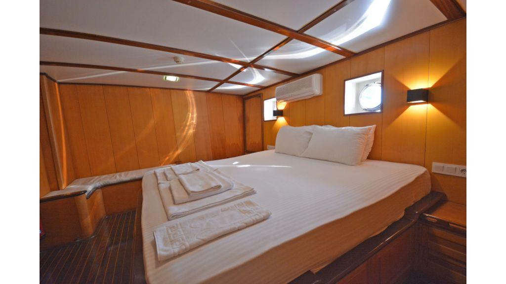 40m Luxury Transom Gulet (17)