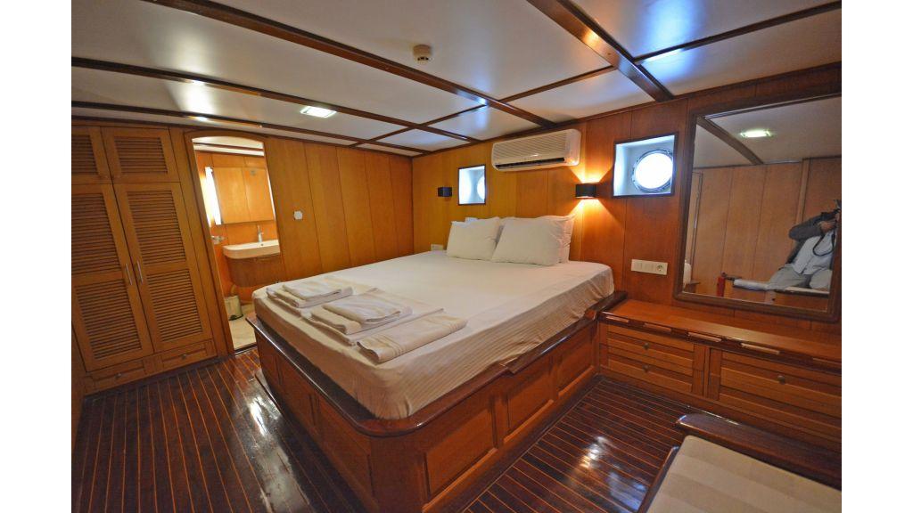 40m Luxury Transom Gulet (19)