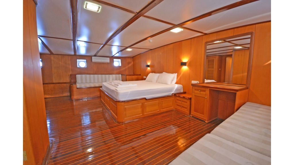40m Luxury Transom Gulet (2)