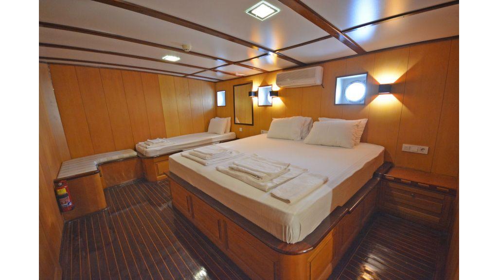 40m Luxury Transom Gulet (23)
