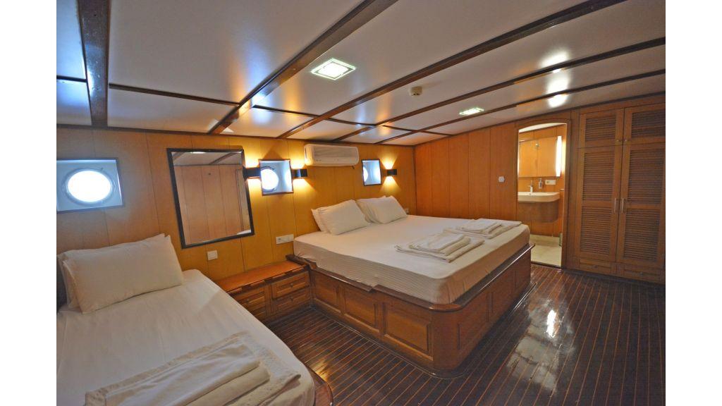 40m Luxury Transom Gulet (25)