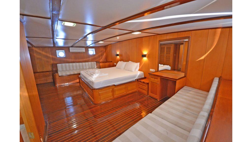 40m Luxury Transom Gulet (3)