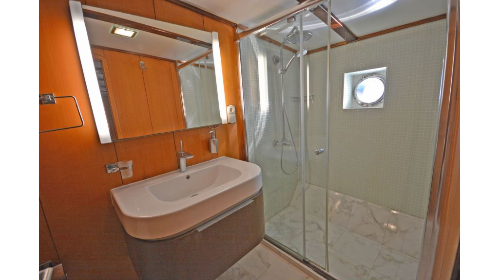 40m Luxury Transom Gulet (32)