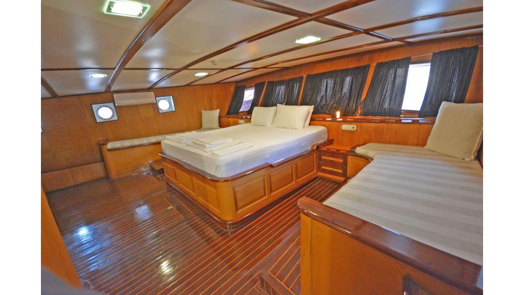 40m Luxury Transom Gulet (39)