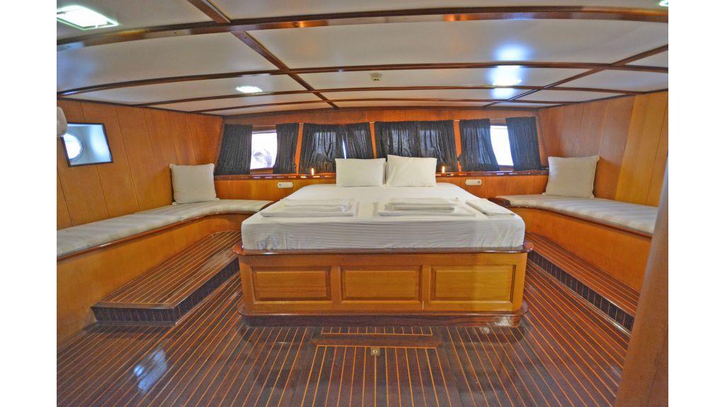 40m Luxury Transom Gulet (43)