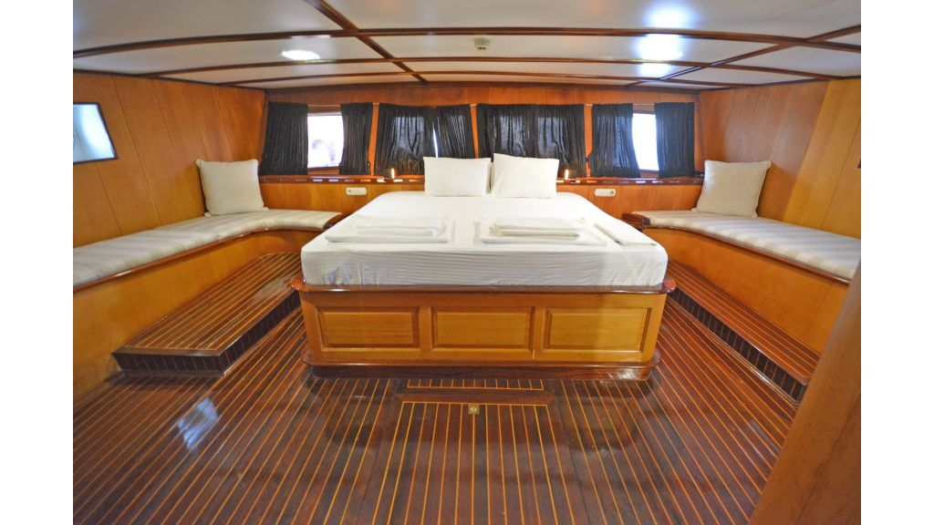 40m Luxury Transom Gulet (44)